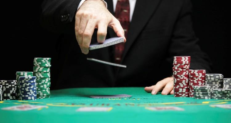 Strategi Poker: Konsep untuk Memajukan Permainan Anda
