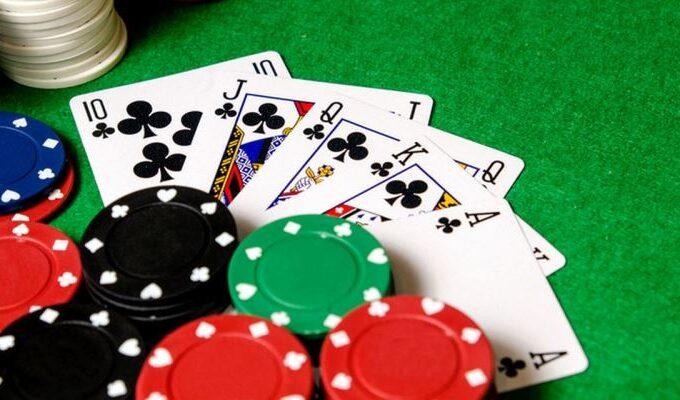 Strategi Online untuk Poker Texas Hold'em
